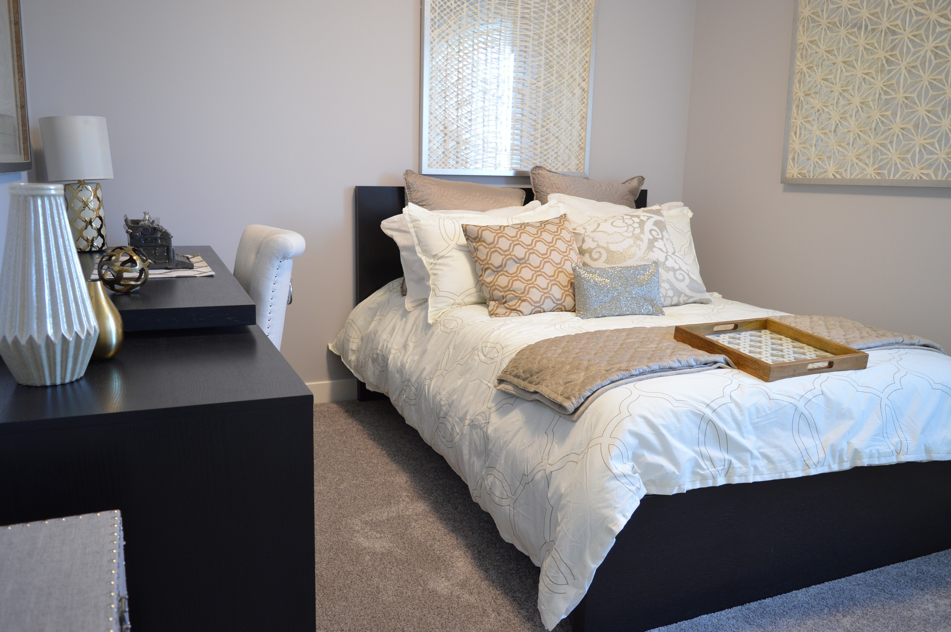 bedroom-1078890_1920